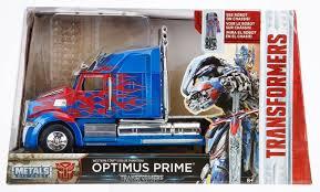 """Transformers"" Western Star 5700 XE Optimus Prime"